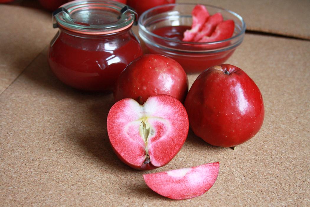 Rotfleischiger Apfel Apflemus rot