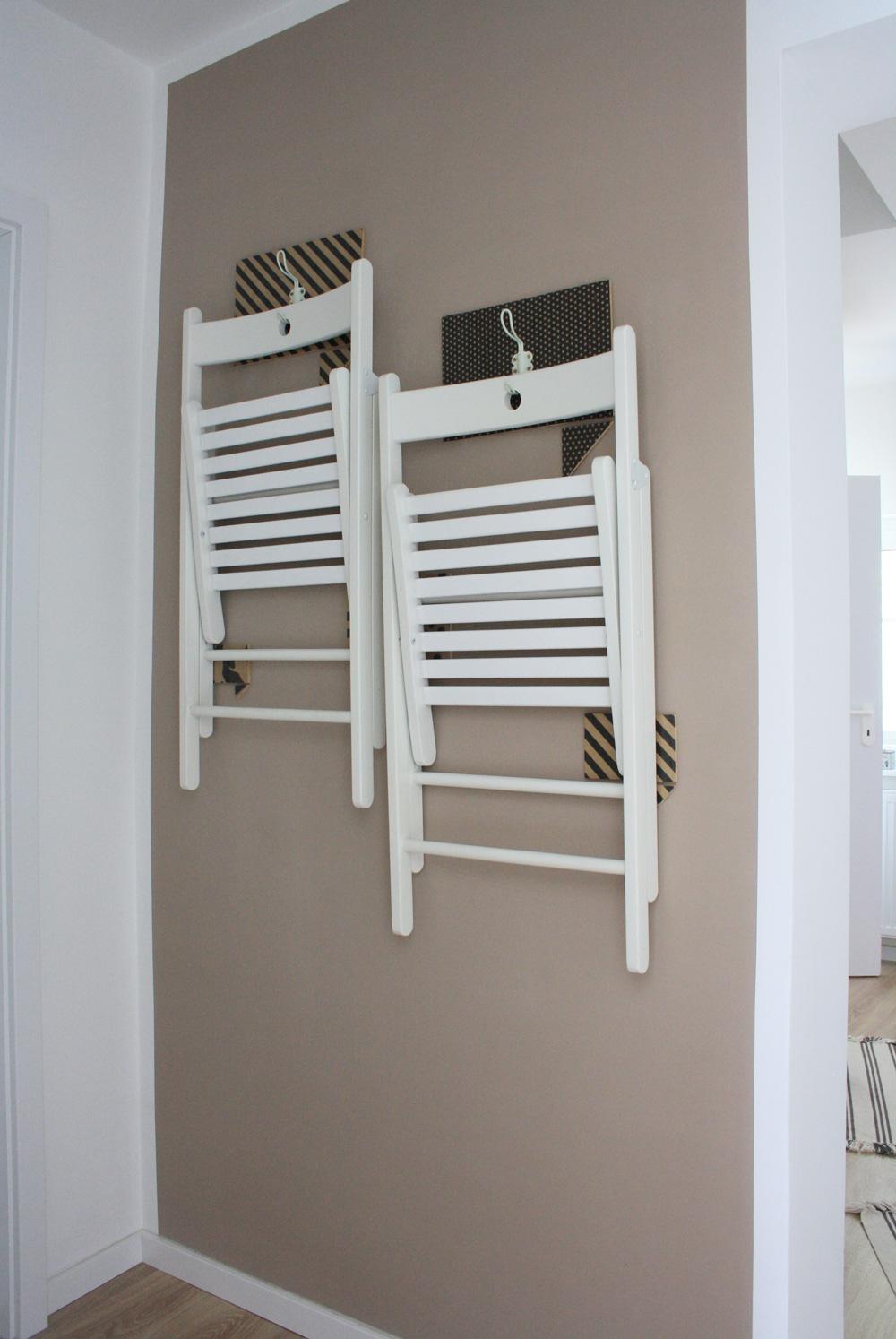 Terje Klappstühle hübsch aufhängen & verstauen [IKEA HACK]