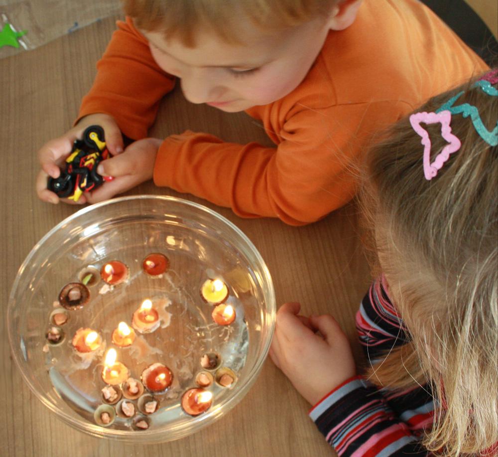 DIY Schwimmkerzen Eichelkäppchen Basteln mit Kindern