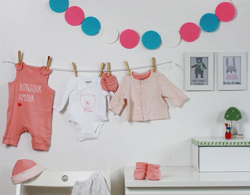 Hallo Piepmatz! DIY Anleitung für Baby Girlande aus Filzkreisen (gemacht aus Vlies Putzlappen)