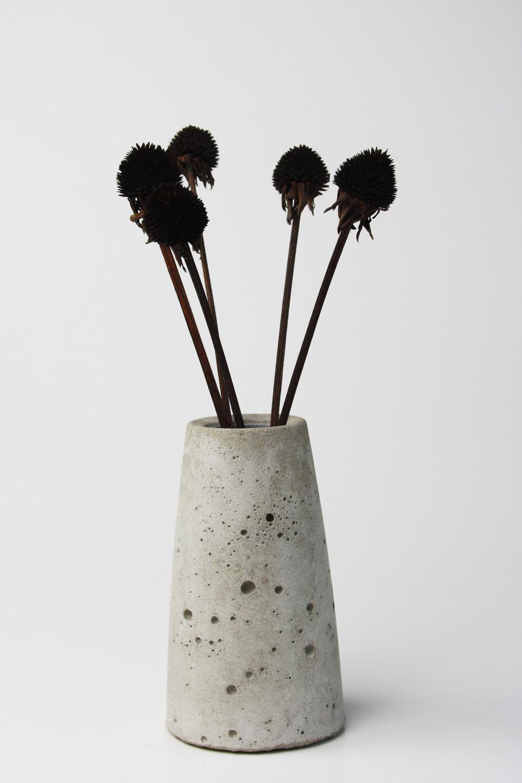 DIY konische Beton Vase mit Löchern selber machen